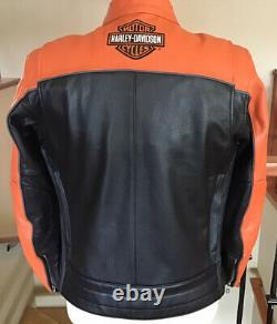 NWT HARLEY DAVIDSON Mens Size MEDIUM Leather Racing Jacket in Mint Condition
